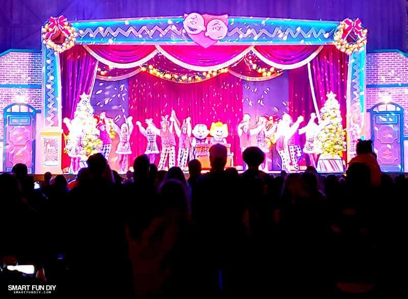 Snoopy stage show at Knott's Merry Farm