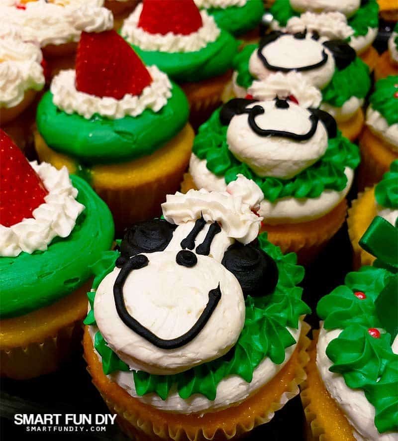 Snoopy Cupcakes at Knott's Merry Farm