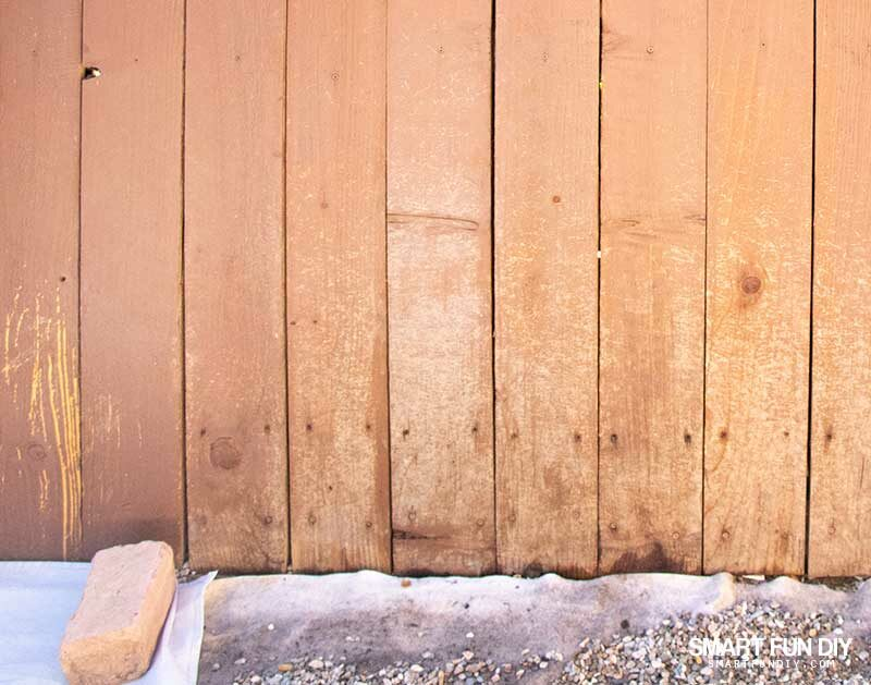 Damaged dirty fence