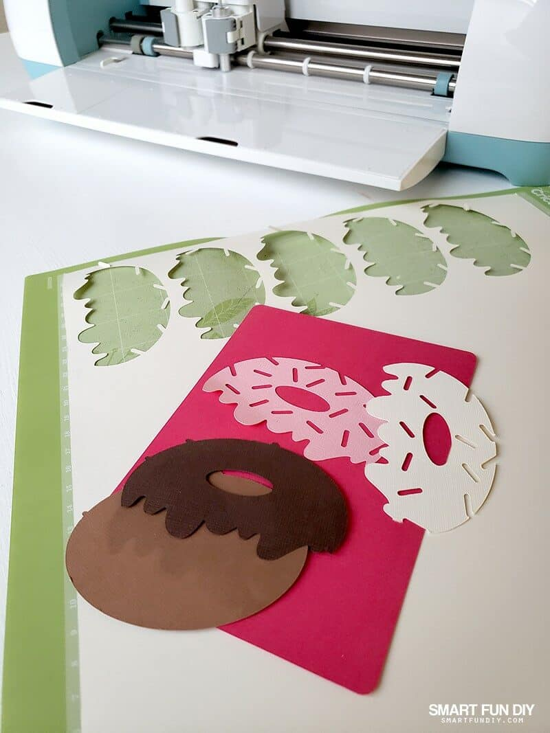 cut donut shapes for cards with Cricut Explore Air 2