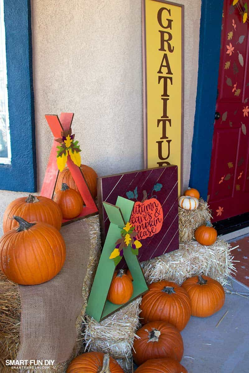 fall front porch display