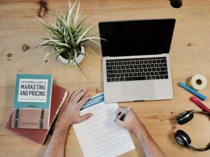 digital marketing pricing marketing writing book macbook