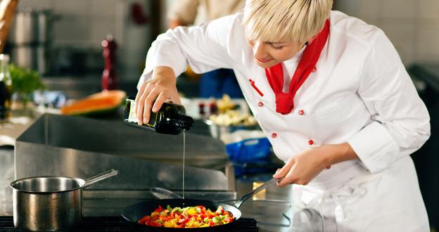 別再聞油色變!多種油品搭配,少油烹調好安心 | SmartM 新網路科技