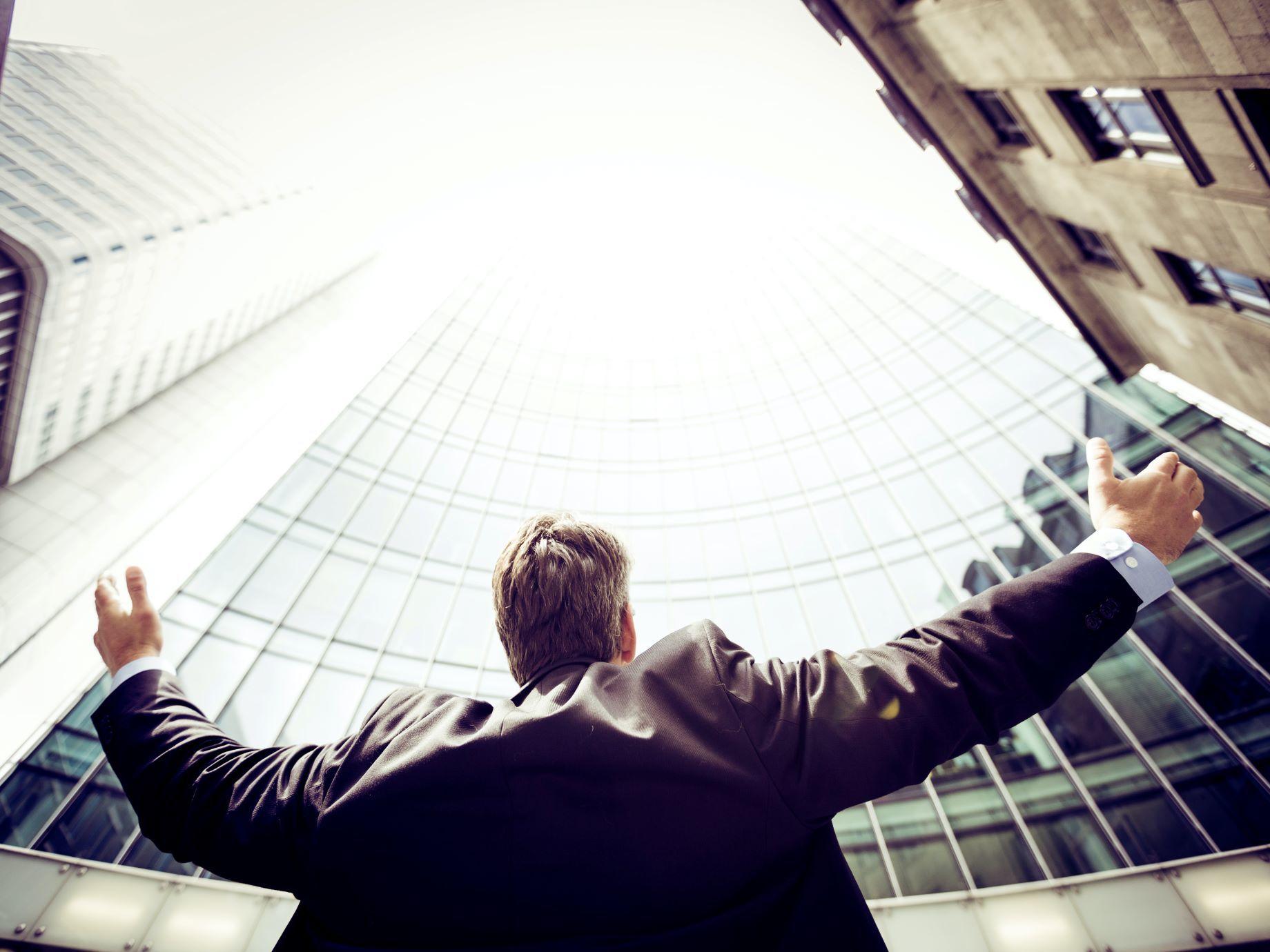 「為什麼老闆升他,不升我?」大喊不公平之前,先來看看這3大升遷評估指標你少了什麼! | SmartM 新網路科技