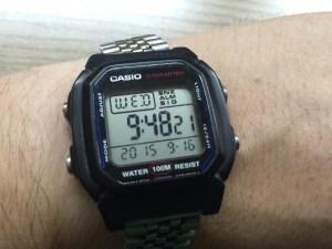 """Echte """"Nicht-Smart-Watch"""" am Handgelenk"""