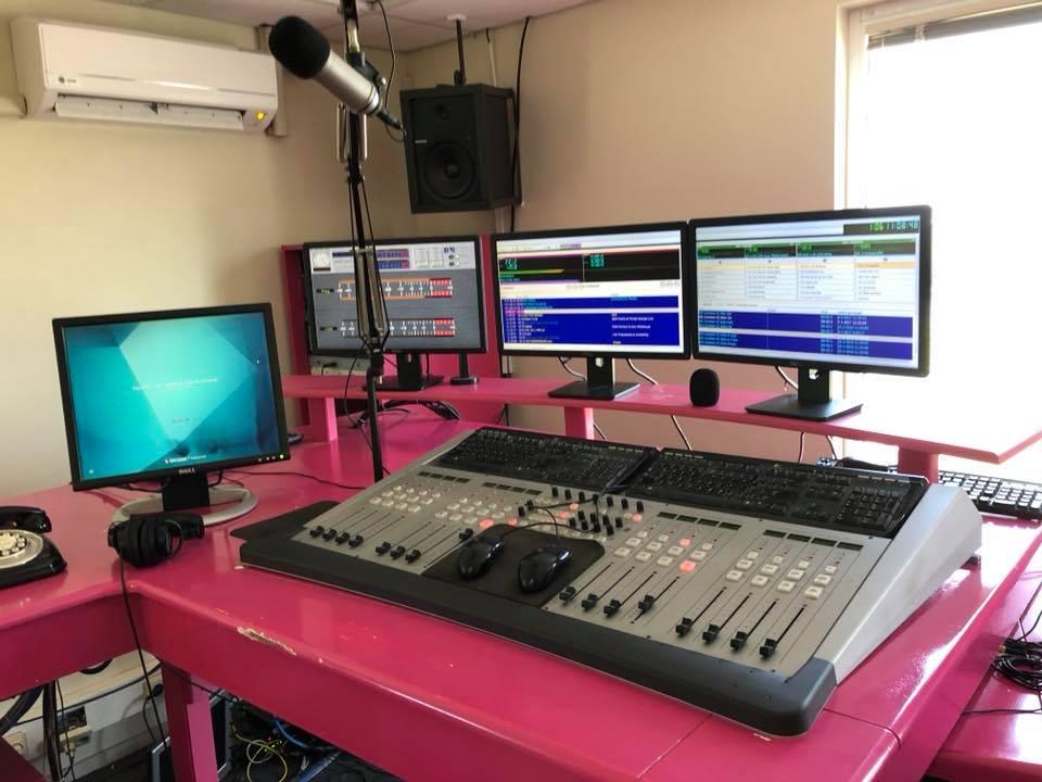 Studio von Paradise FM Curacao