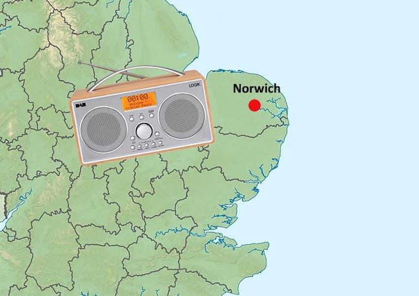 Caroline Flachback geht in Norwich on air (Foto: Radio Caroline)