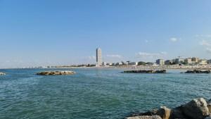 Blick von der Molo di Levante Richtung Innenstadt von Cesenatico (Foto: SmartPhoneFan.de)