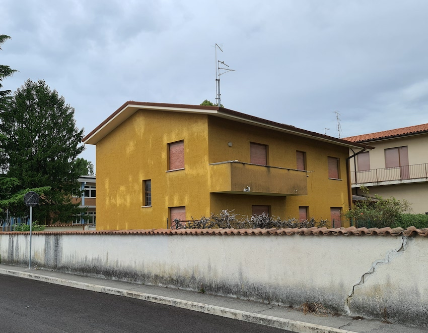 Früheres Radio-Adria-Funkhaus in Aquileia (Foto: SmartPhoneFan.de)