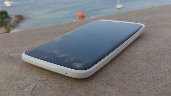 HTC-One-X-recenzija-2