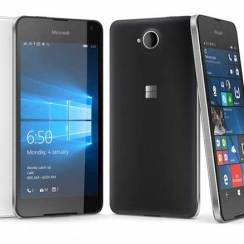 Microsoft Lumia 650 službeno vani