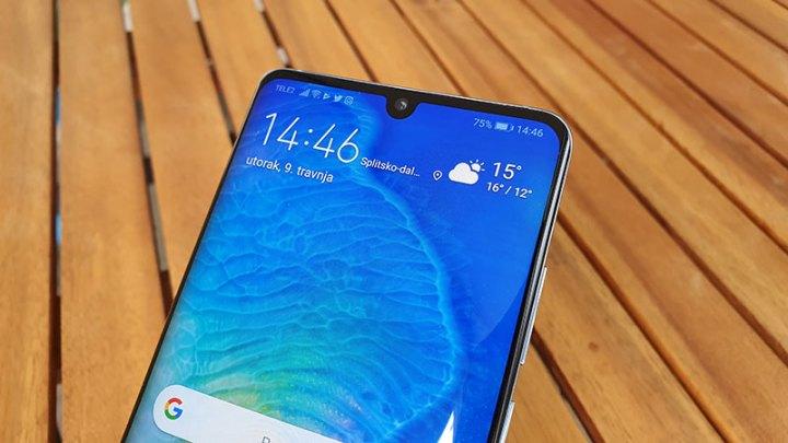 Huawei P30 i P30 Pro dobili Super Night mode na selfie kameri