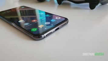 Xiaomi-mi-9-SE-Recenzija-(17)