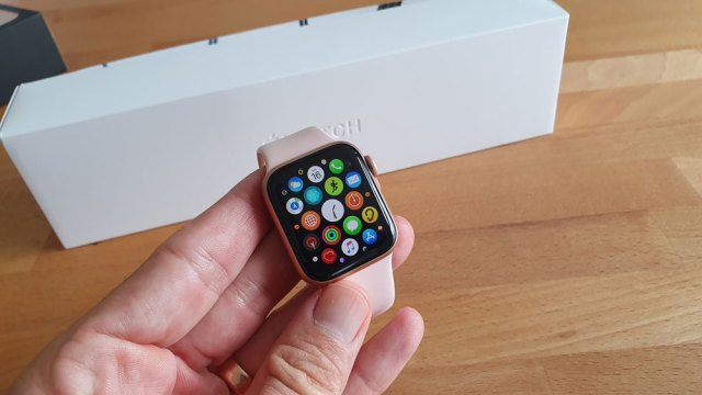 apple watch 5 recenzija