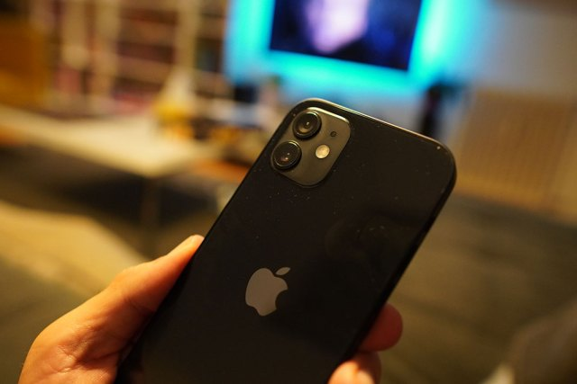 iPhone 12 recenzija kamera
