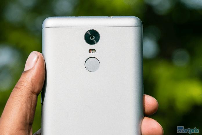 Xiaomi Redmi Note 3 symetrical fingerprint sensor and camera