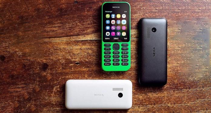 Microsoft_Nokia_215_feature_phone