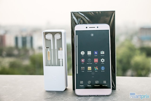LeEco Le 2 boxed with CDLA headphones (4)