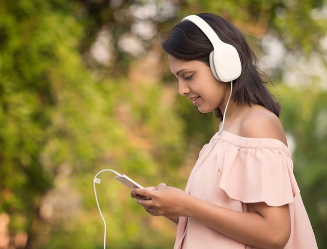 Mi-headphones-3