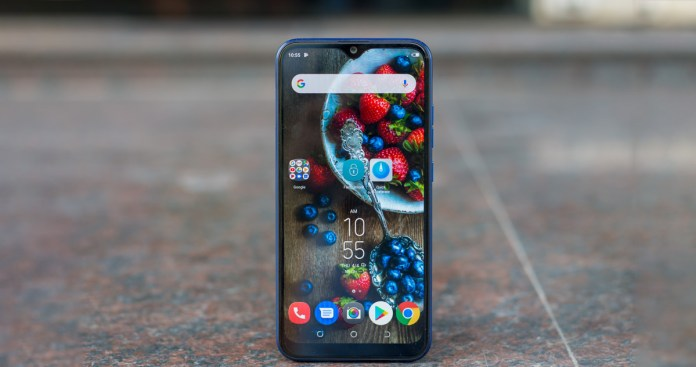 Techno-Camon-i4-review-India-with-pros-and-cons-6