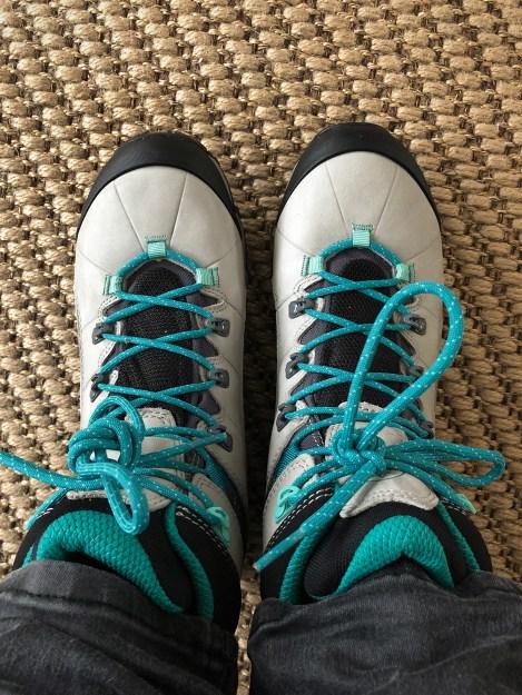 Een foto van mijn nieuwe wandelschoenen, La Sportiva's