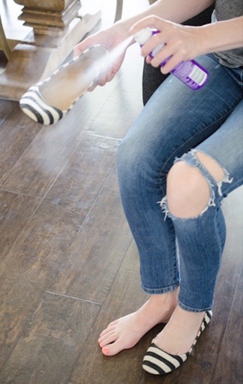 Spray dry shampoo into your shoes to prevent your feet from getting sweaty and stinky! Neat DIY idea.
