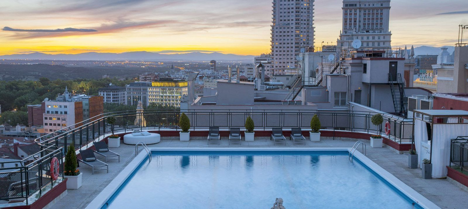 El Hotel Emperador llega a 200000 clientes potenciales