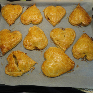 VALENTINES APPLE PIES 11