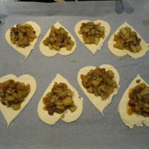 VALENTINES APPLE PIES 8