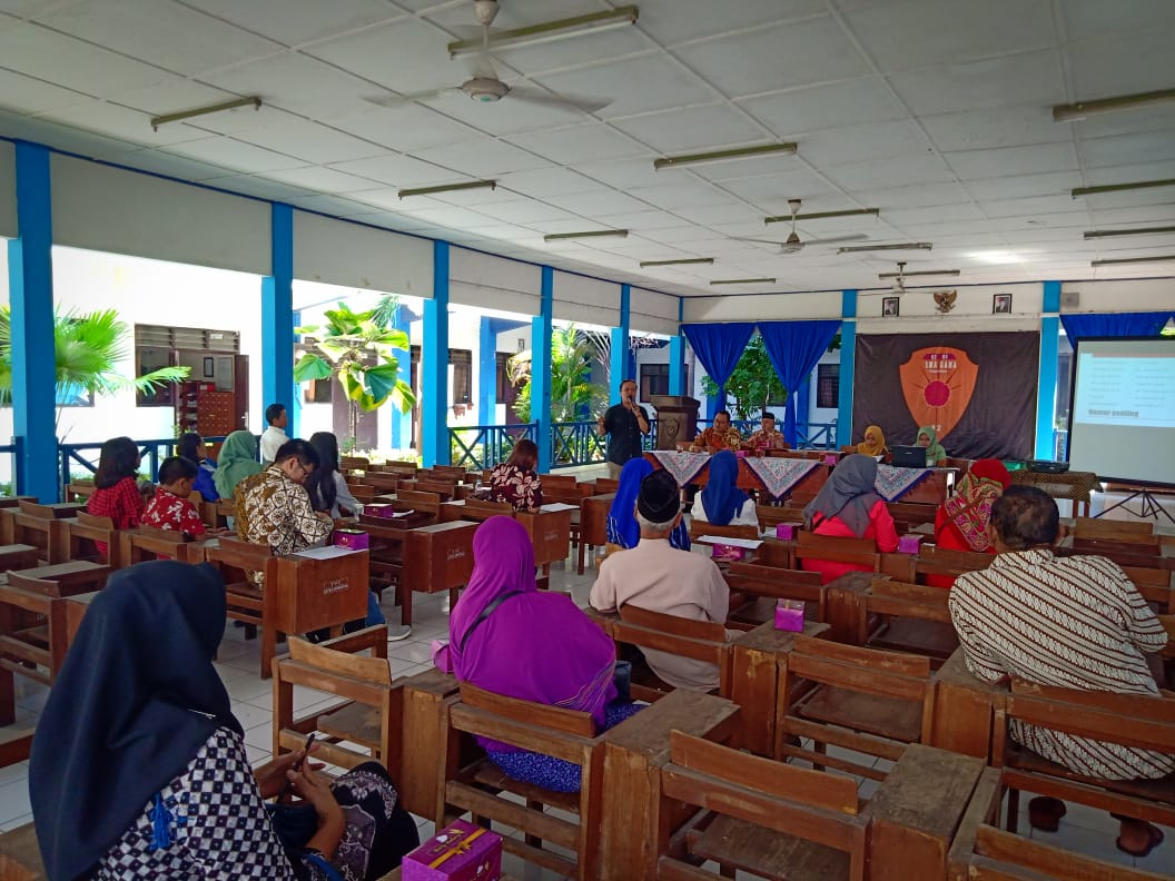 Pertemuan orang tua siswa kelas X dan XI