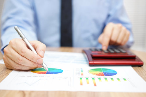 Businessman creates financial plan