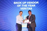 MR. ALOK GUPTA, PRESIDENT, PCAIT AND CONVENOR FAIIT GIVING AWARD OF THE BEST BACK OF VENDOR OF THE YEAR TO VERITAS