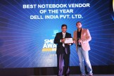 MR.-ANIL-JAIN-MANAGING-DIRECTOR-PROGILITY-TECHNOLOGIES-GIVING-AWARD-THE-AWARD-OF-BEST-NOTEBOOK-OF-THE-YEAR-TO-DELL-INDIA