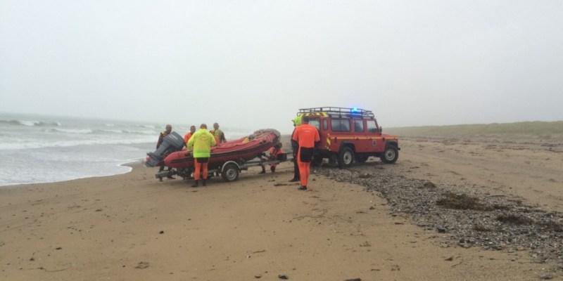 Opération de sauvetage d'un jeune dauphin à Agon Coutainville (@SMEL)