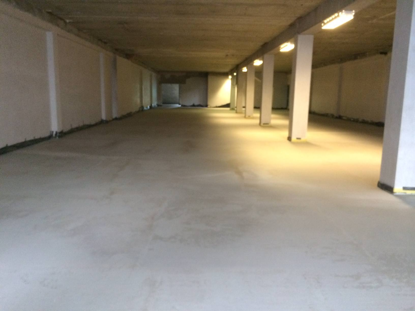 New screed floor for New Dealz Store Dundalk Co Louth  SMET