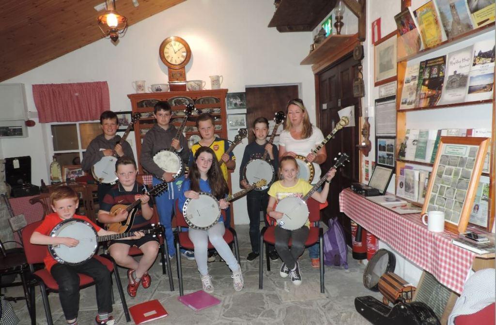 Theresa O'Grady - Banjo Class