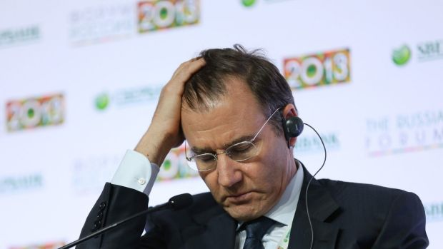 Is this the resource sector's Lehman moment?Glencore chief Ivan Glasenberg faces pressure from all sides.