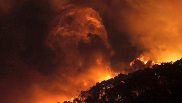 Incredible images of the fire captured by CFA volunteer and photographer Keith Pakenham.