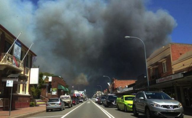 Sydney And Cessnock Fires Hundreds Of Firefighters