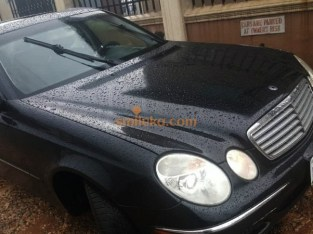 Very Clean Mercedes-Benz E320 with A/C and working fine at Edo State ( No Fault , Just Buy and Drive )