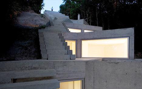Ultramodern Buried Bunker Home