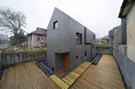 Ultramodern Contextually Designed Home