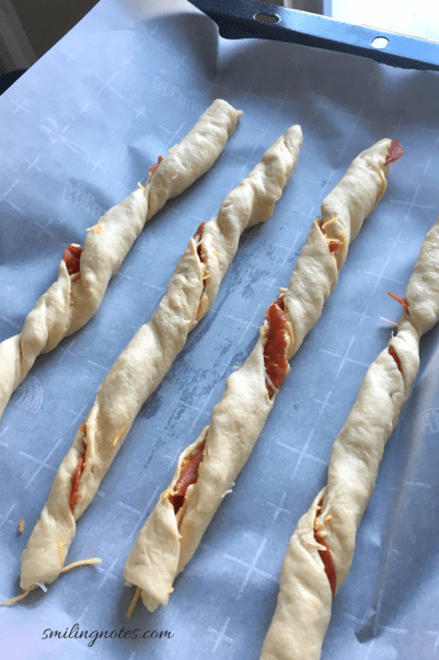 pepperoni pizza twists steps
