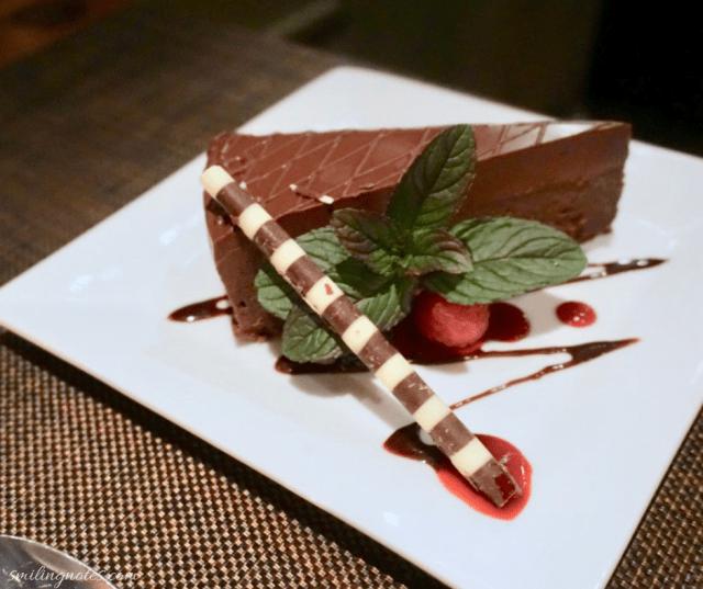 henry's dessert - FLOURLESS CHOCOLATE CAKE