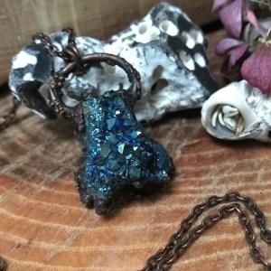 Elektroformet blå krystalhalskæde klynge