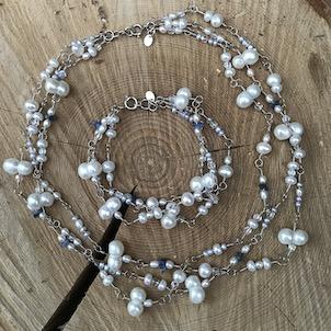 Hvidt perlesæt i sølv