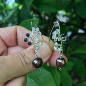 Perle øreringe med safir