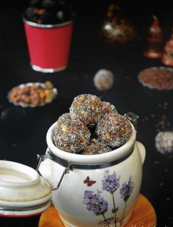 dates flaxseed laddu , dry fruits laddu