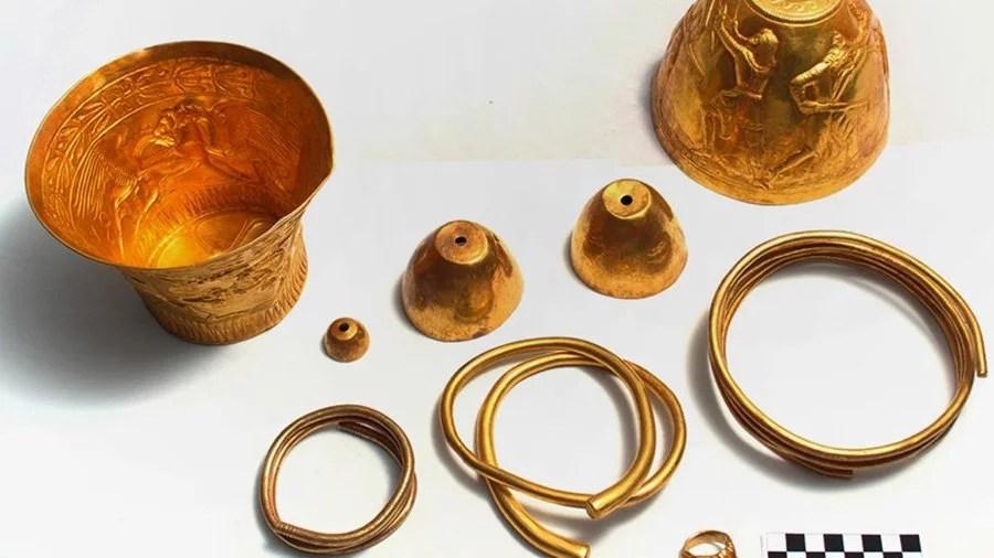 bongs ouro smoke buddies Bongs de ouro com mais de 2.400 anos são descobertos