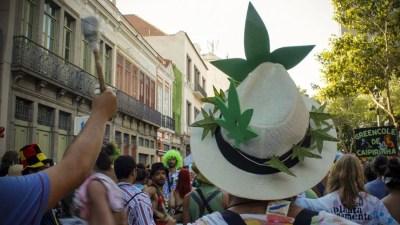 repercussao geral gabriel murga smoke buddies Literatura Sativa: Areia na pele